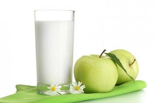 яблоки с молоком