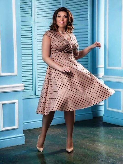 скулкина в новом платье