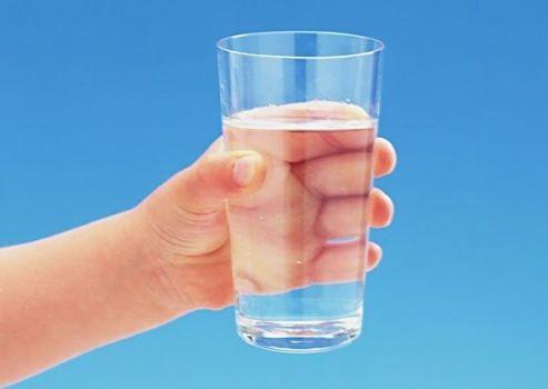 запить стаканом воды